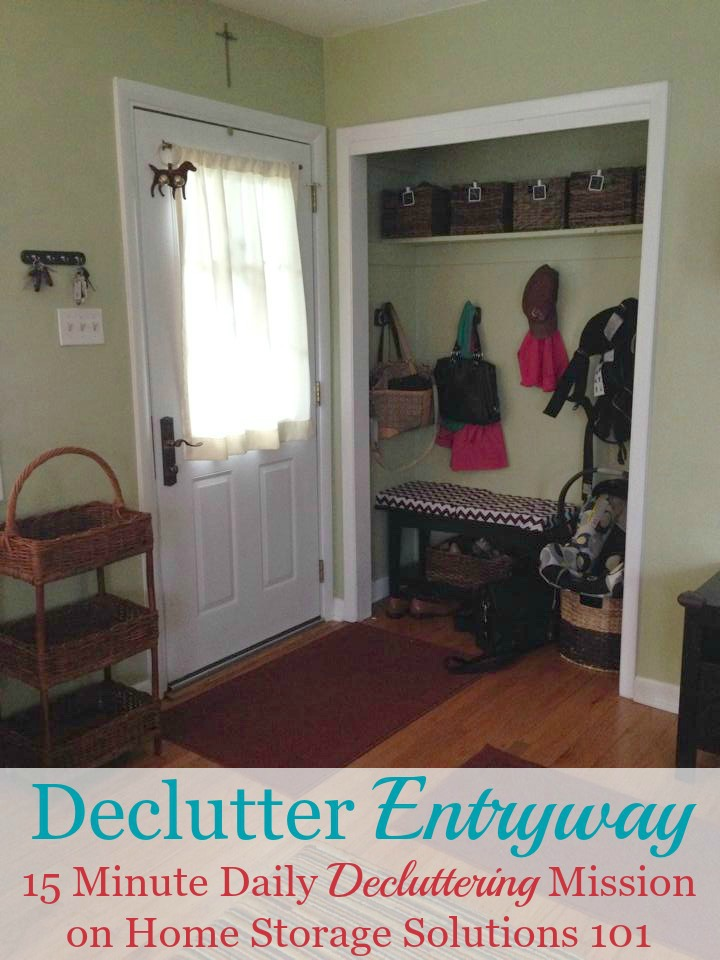 Here is how to declutter your entryway or foyer to make this highly trafficked area of your home functional, and inviting for your family and guests {a #Declutter365 mission on Home Storage Solutions 101} #DeclutterEntryway #EntrywayIdeas