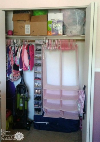 Decluttered kids closet {on Home Storage Solutions 101}