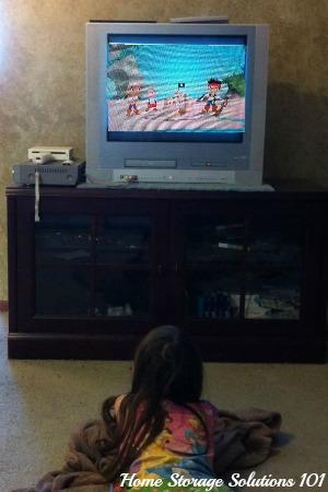 child watching Netflix
