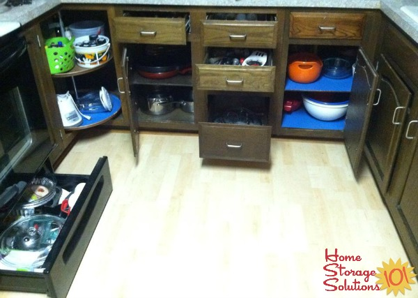 Kelly showed off her now clutter free kitchen drawers and cabinets, after doing the #Declutter365 missions on Home Storage Solutions 101
