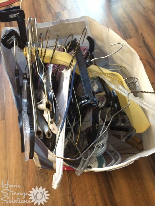 Decluttered hangers when Dora did the #Declutter365 mission on Home Storage Solutions 101