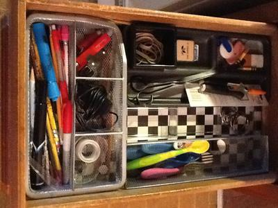 Drawer with top tier removed (there is even extra space!).