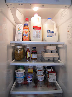 Organized refrigerator shelves