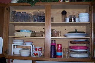 Organized plates and bowls cabinet