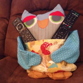 Owl remote control pillow {plus more remote control organizer ideas and solutions on Home Storage Solutions 101}