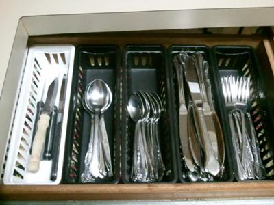 Exceptionnel Storing Silverware In Drawers With These Storage Containers