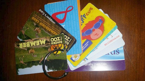 organize loyalty and membership cards on keyring